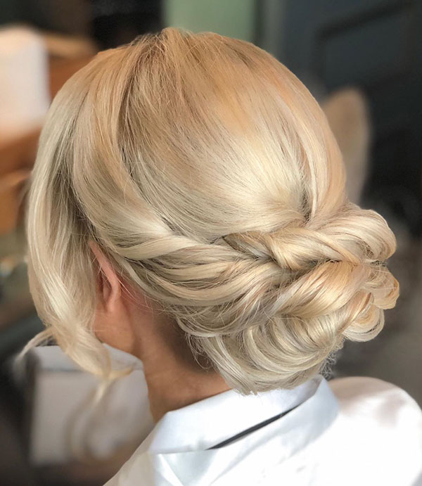 Amazing Medium Bridal Hairstyles