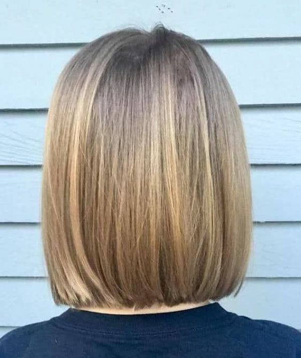 Medium Straight Hairstyle Pictures