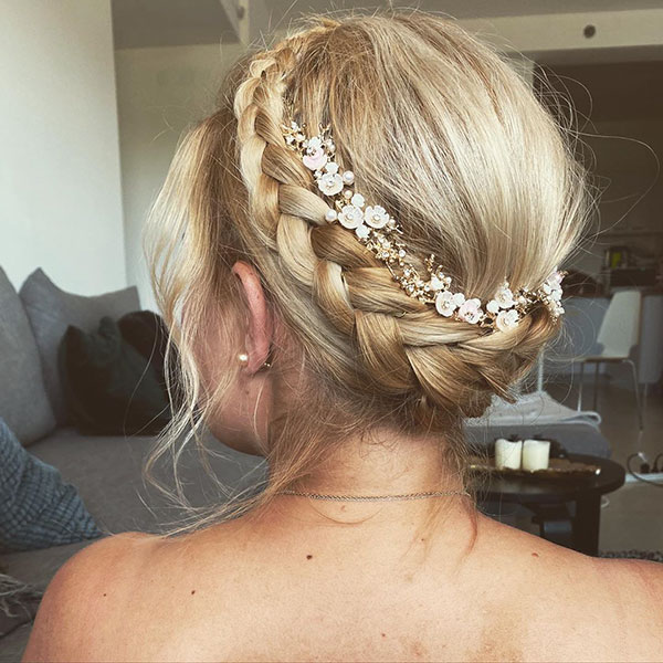 Bridal Styles For Medium Hair
