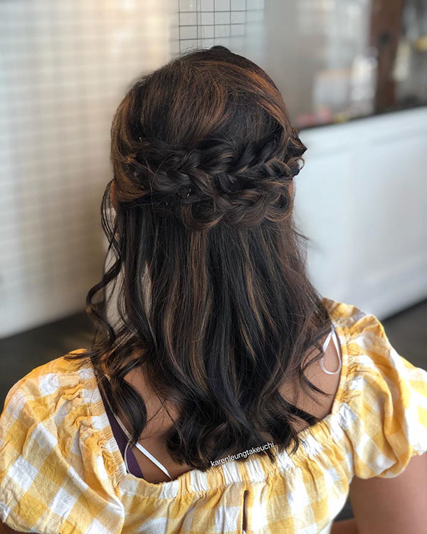 Medium Half Up Hairstyle Pictures
