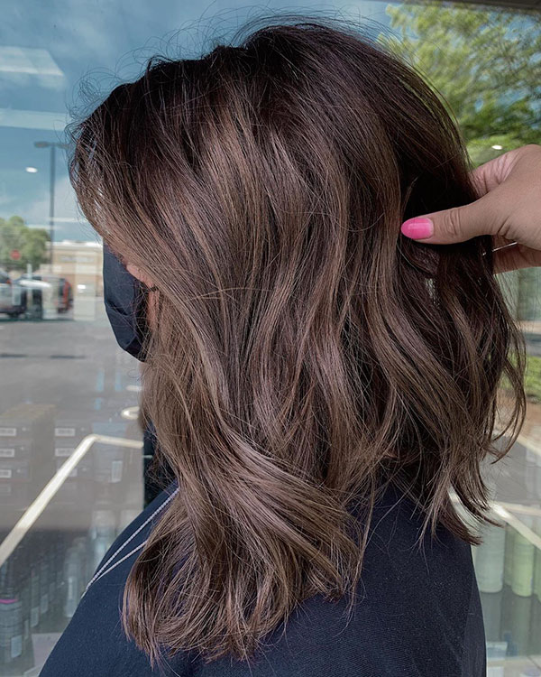 Hairstyles For Brunettes With Medium Hair